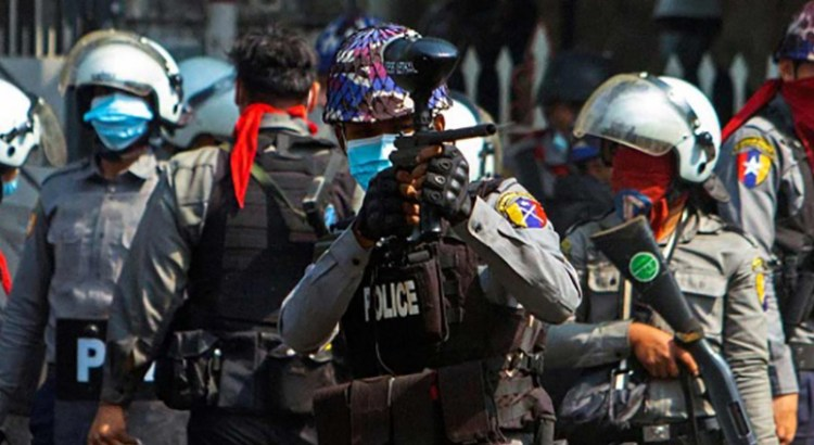Represión policial en Myanmar