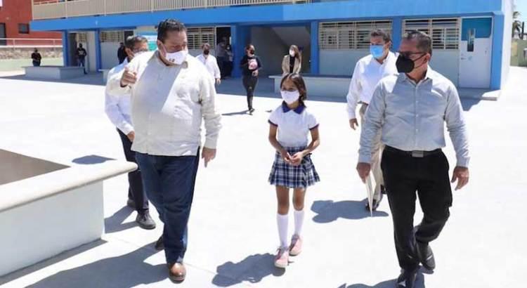 Entrega Gobernador nuevas aulas en escuela primaria de la colonia Perlas del Golfo