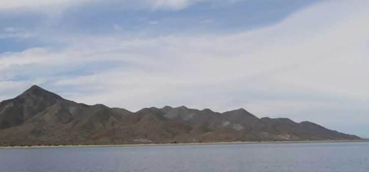 Intenta el alcalde Walter Valenzuela vender Punta Belcher