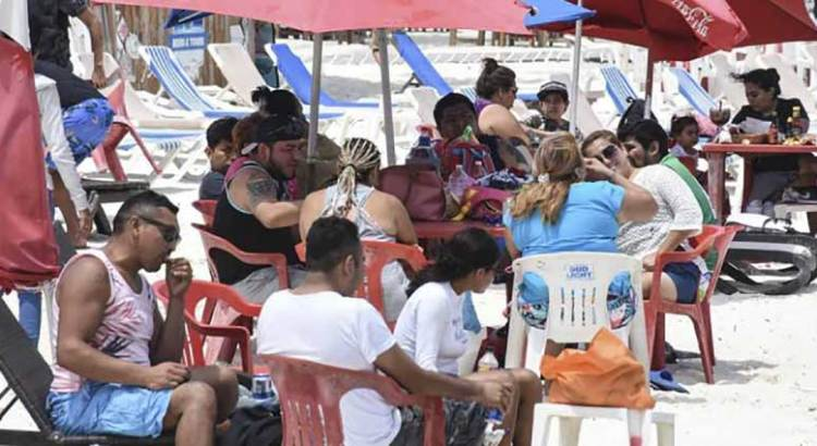 """Cancún en """"riesgo inminente"""" de semáforo rojo"""