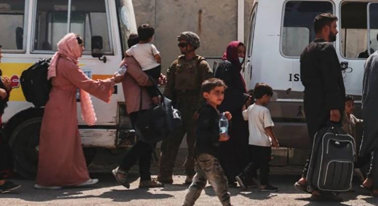 Acelera EU evacuaciones de Afganistán