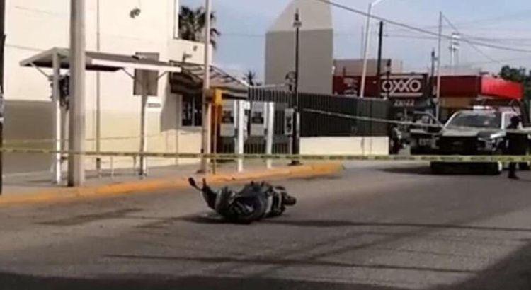 A balazos atacan a motociclista