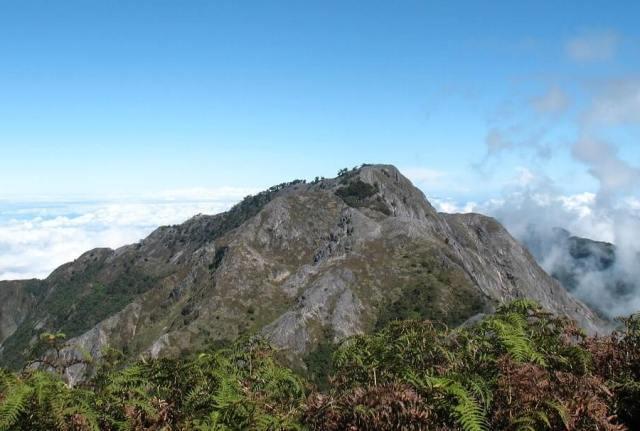 Gunung Binaiya, Pulau Seram, Maluku