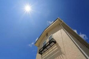 遮熱塗料は屋根におすすめ!効果や価格、メリットとデメリットを解説