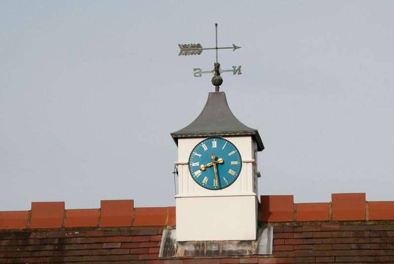 st-maragarets-church-hall-clock
