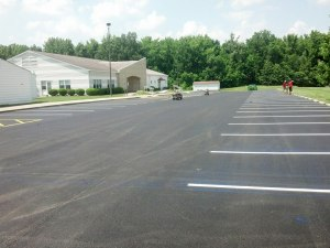 New asphalt paved parking lot in southern Illinois | Penninger Asphalt Paving, Inc. – Southern Illinois Commercial & Residential Asphalt & Oil and Chip Paving