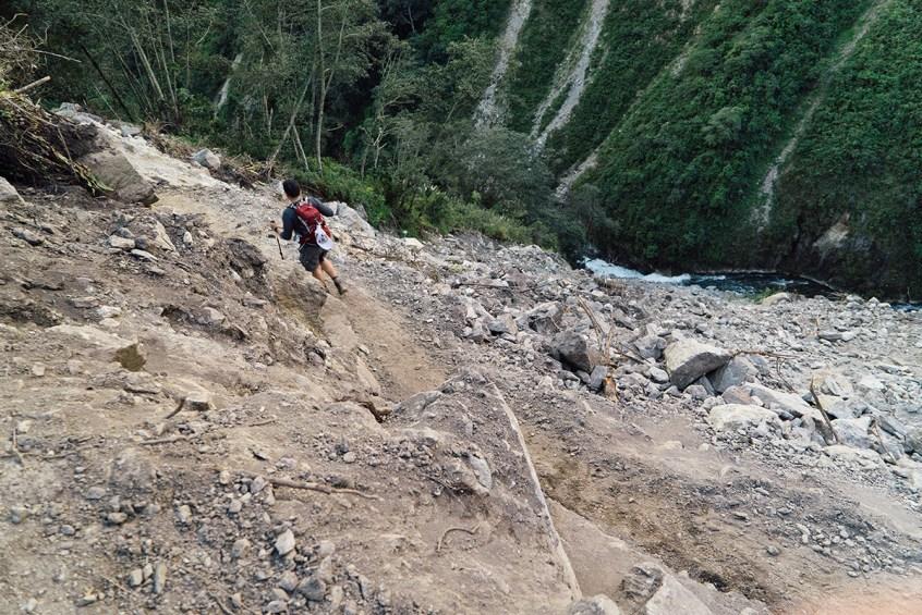 Crossing landslides