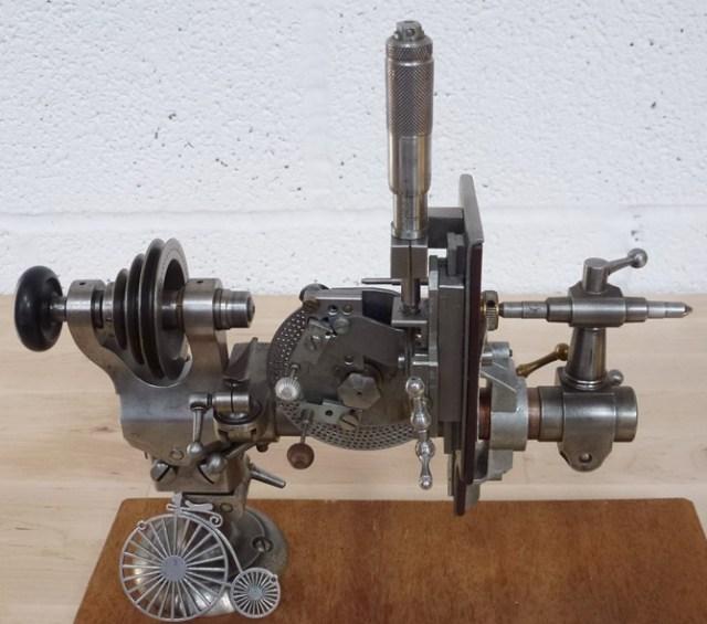 SMALL GEAR AND PINION CUTTING MACHINE