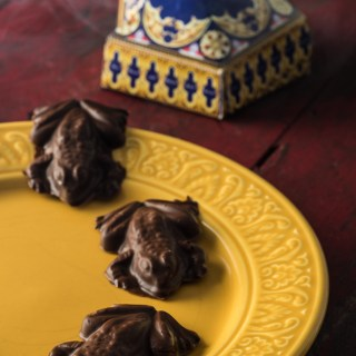 How to Make Chocolate Frogs (Vegan & Gluten Free)