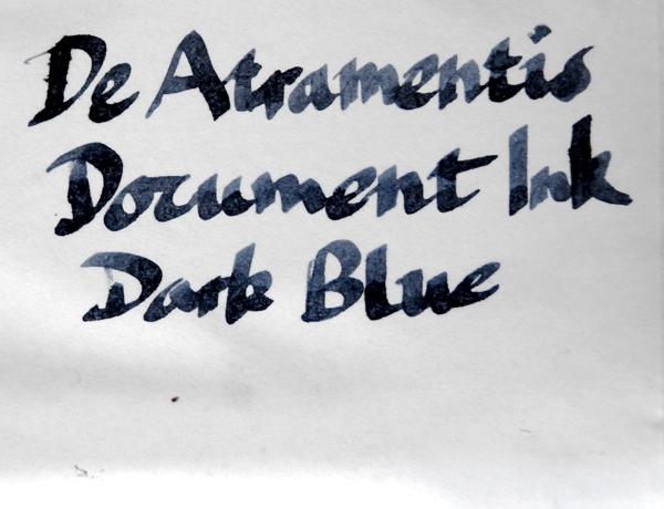 De Atramentis Document Ink Dark Blue ink wet
