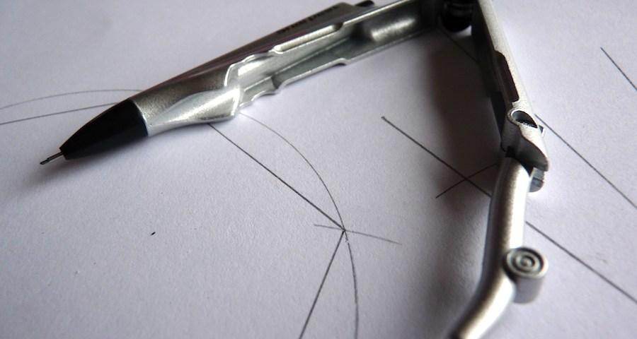 Kutsuwa Stad Sharpest Compass open
