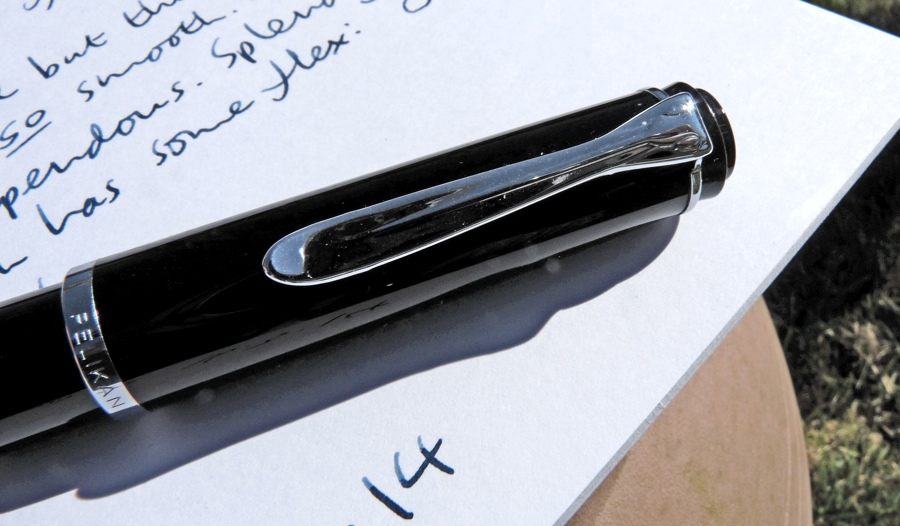 Pelikan M215 fountain pen clip