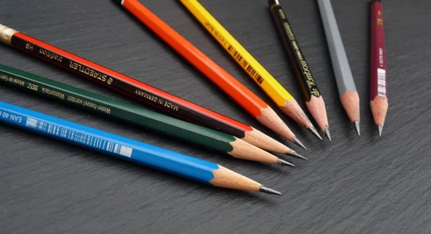 Drawing pencils guide