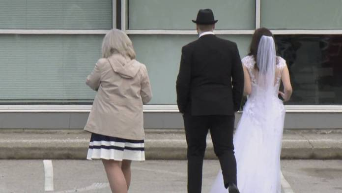 Click to play video 'More religious exemptions issued in B.C. amid possible health violations'