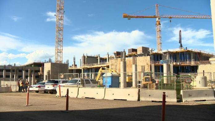 Click to play video: 'Judge denies construction supplier's application to dismiss charges in Saskatoon worksite death'