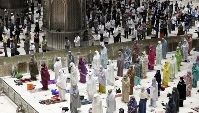 Muslims in Indonesia offer Ramzan prayers with social distancing as govt speeds up vaccination drive