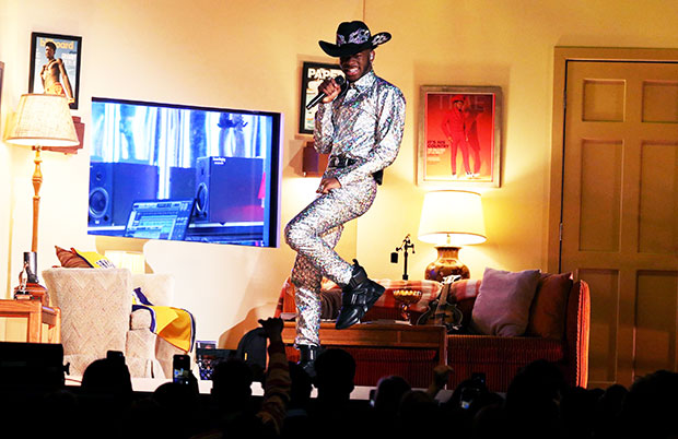 Lil Nas X's 'Sun Goes Down' Video Accompanies New Song – Hollywood Life