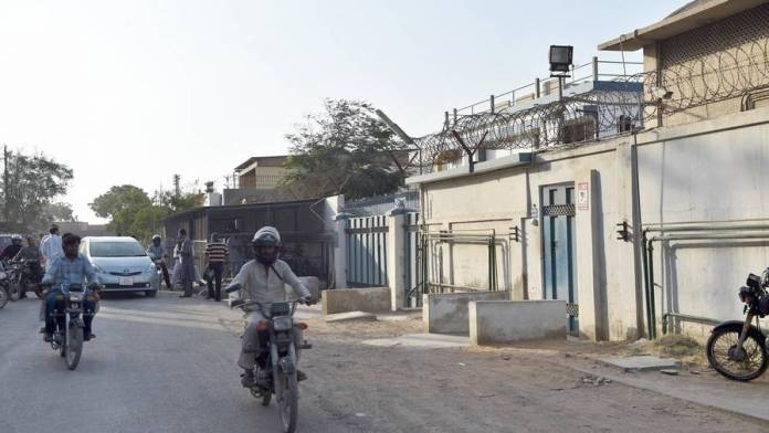 16 killed, several missing in Pakistan factory fire - News
