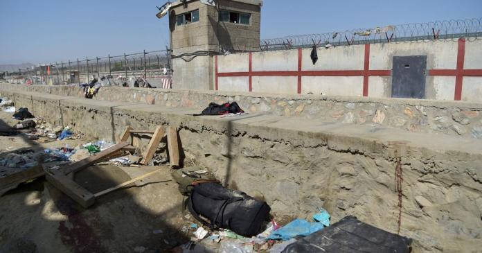 U.S. Embassy again warns Americans to leave Kabul airport gates over