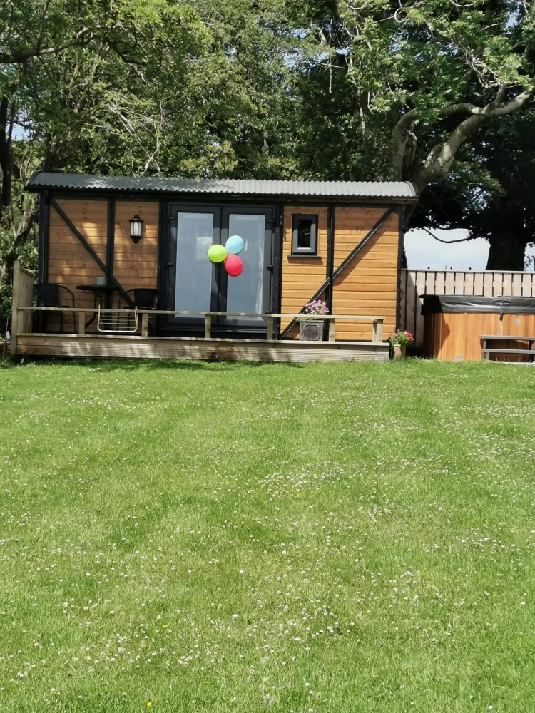 The hare Hut at pen-rhos luxury glamping