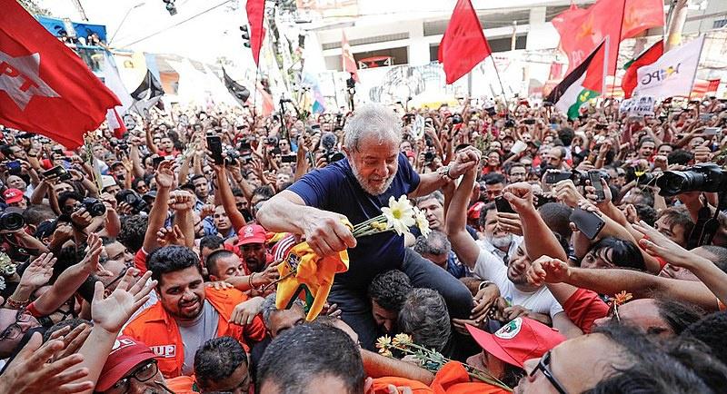 'Lula Livre, Brasil Livre'