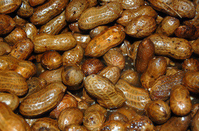 Hot_boiled_peanuts