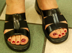 Lady_and_sons_painted_toe_nails