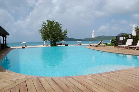 Hermitage_bay_pool
