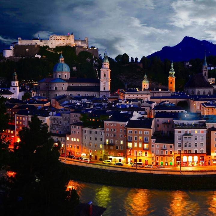 Salzburg_Altstaadt bei Nacht