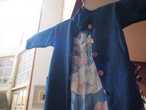 以前個展紹介のブログで載せた刺し子コートの本物。やっぱりすてきだったよ!