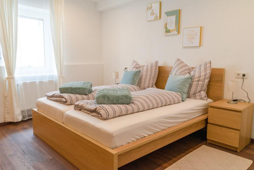 Frisch gemachtes Doppelbett