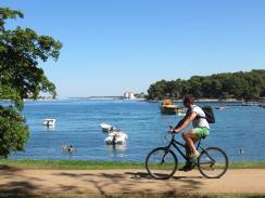 walk and bike trails porec