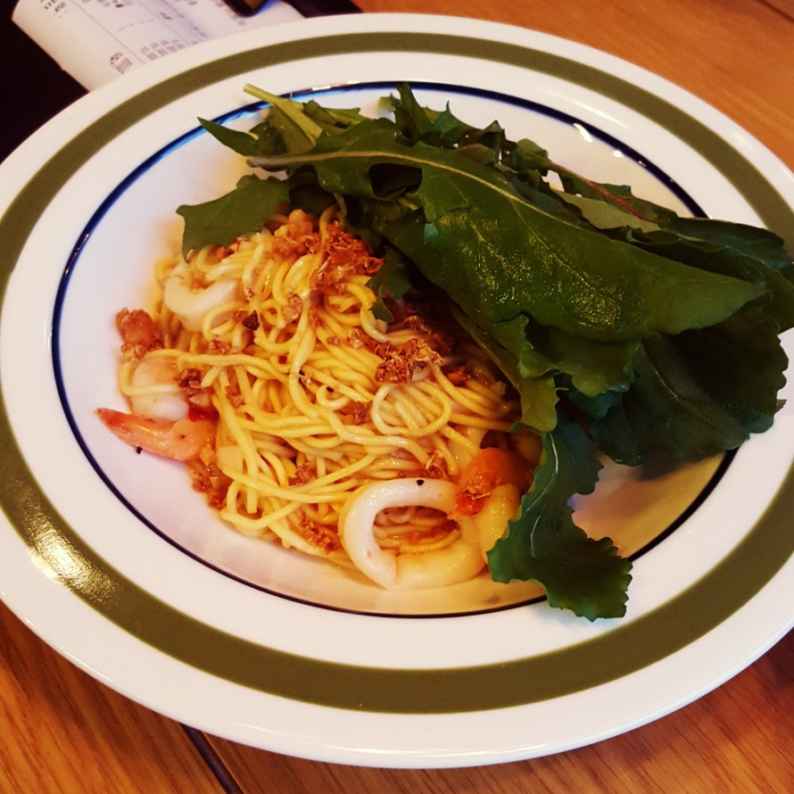Shrimp with Egg Noodles
