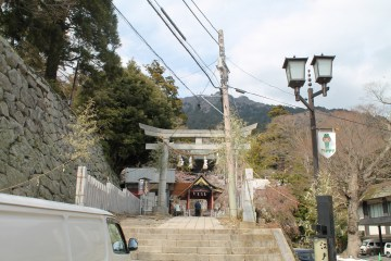 The entrance to the shrine.