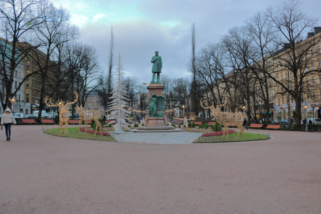 Statue of Johan Ludvig Runeberg