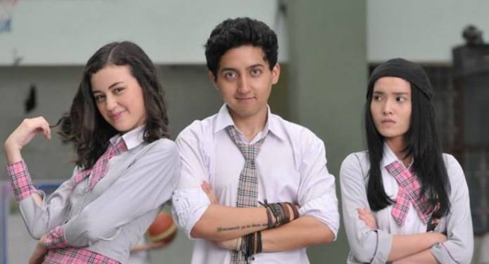 Agnes, Aji, dan Angel