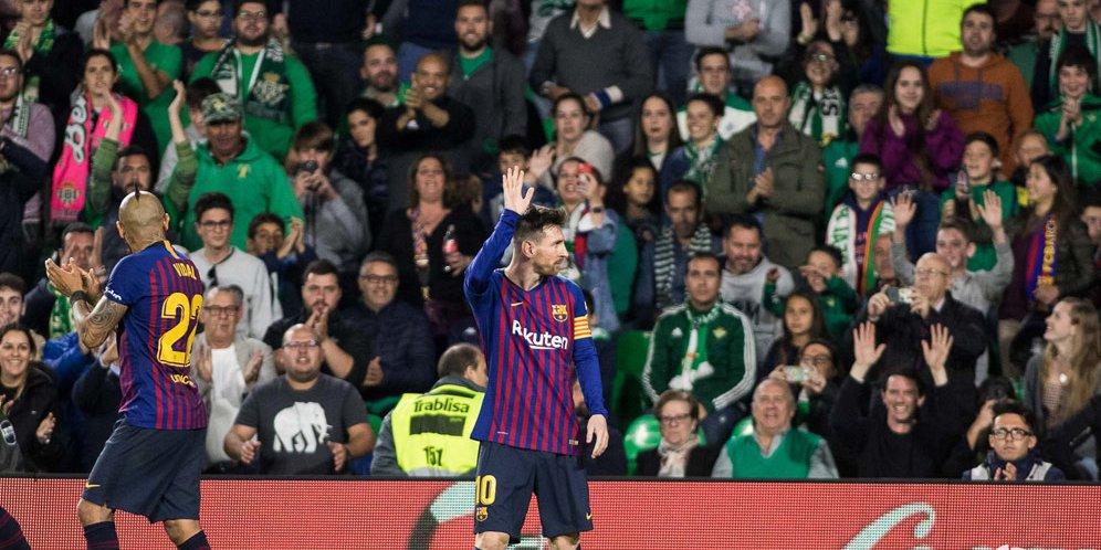Saat Lionel Messi Dapat Standing Ovation dari Fans Real Betis