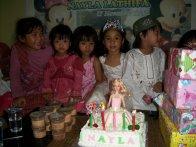 Ulang tahun ke-5. Dengan birthday cake bikinan saya