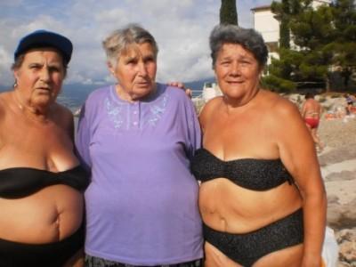 žene na plaži