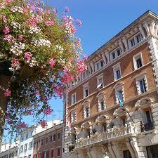Grad Rijeka uz cvijeće