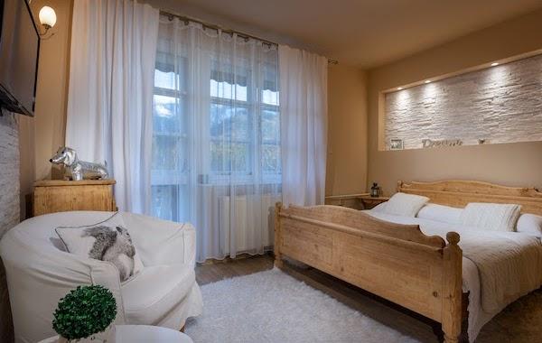 Small Dvojlôžková izba s balkónom