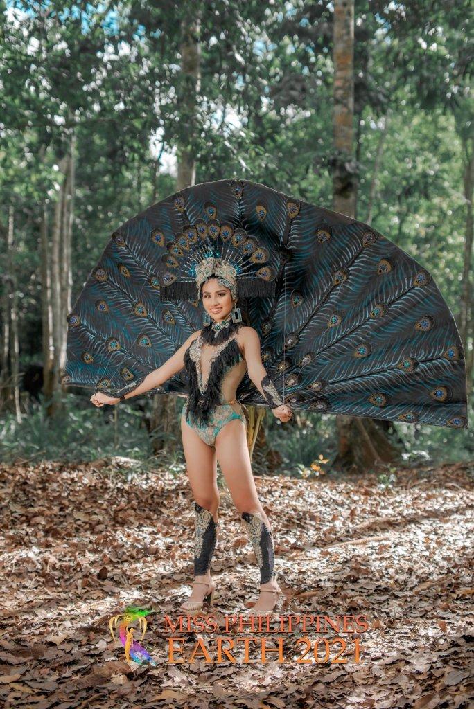 Rocheanne Bonggat Costume