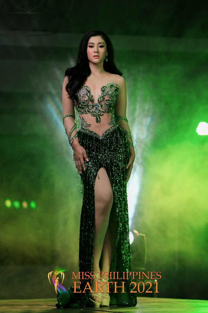 Zeneth Khan Gown