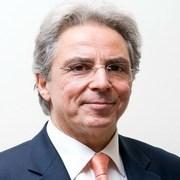 Χρήστος Μαρκόπουλος: «Ο Καθηγητής Ιατρικής που μάχεται για τον καρκίνο του μαστού»