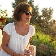 Nilgün Öneş: η διακεκριμένη Τουρκάλα σεναριογράφος του σήριαλ «Asi» αποκλειστικά στο peoplenews.gr