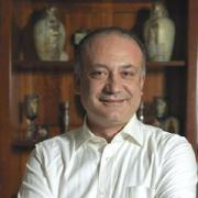 Παγκόσμιο Βραβείο Giuseppe Sciacca «Ιατρικής Επιστήμης» στον Καθ. Παιδοχειρουργικής Αυξέντιος Καλαγκός, τον «γιατρό των φτωχών»