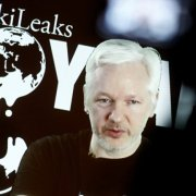 Julian Assange: Ένας αμφιλεγόμενος ήρωας