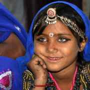 Δήμητρα Στασινοπούλου: «Στην Ινδία ένα ολόκληρο έθνος αγκαλιάζει τη ζωή…»