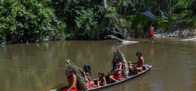 Ένοπλοι μεταλλωρύχοι εισβάλλουν σε χωριό ιθαγενών στον Αμαζόνιο – Φόβοι για εκδιώξεις και αιματοχυσία
