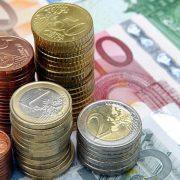 Πιο εύκολα μολύνονται από μικρόβια τα χαρτονομίσματα του ευρώ σε σχέση με τα κέρματα